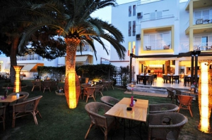 Almi Restaurant, Hotel Kalloni, Volos, hotels, rooms, accommodation, vacations, pool, Nees Pagases, Alykes